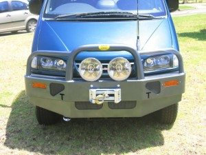 DELICA BULLBAR fitted at workshop series 2 with winch 016 1 300x225 DELICA BULLBAR  1