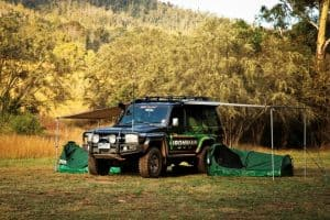 awning-on-76-landcruiser